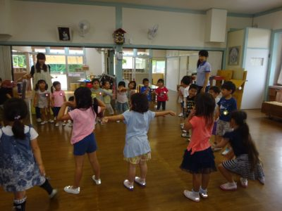 DSC06388みんなダンス2