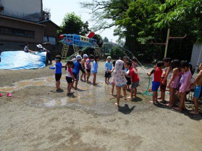 DSC01122ホースで水遊び